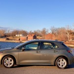 Review and Test Drive:  2019 Toyota Corolla Hatchback SE