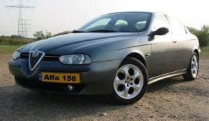 800px-Alfa_Romeo_156_Selespeed