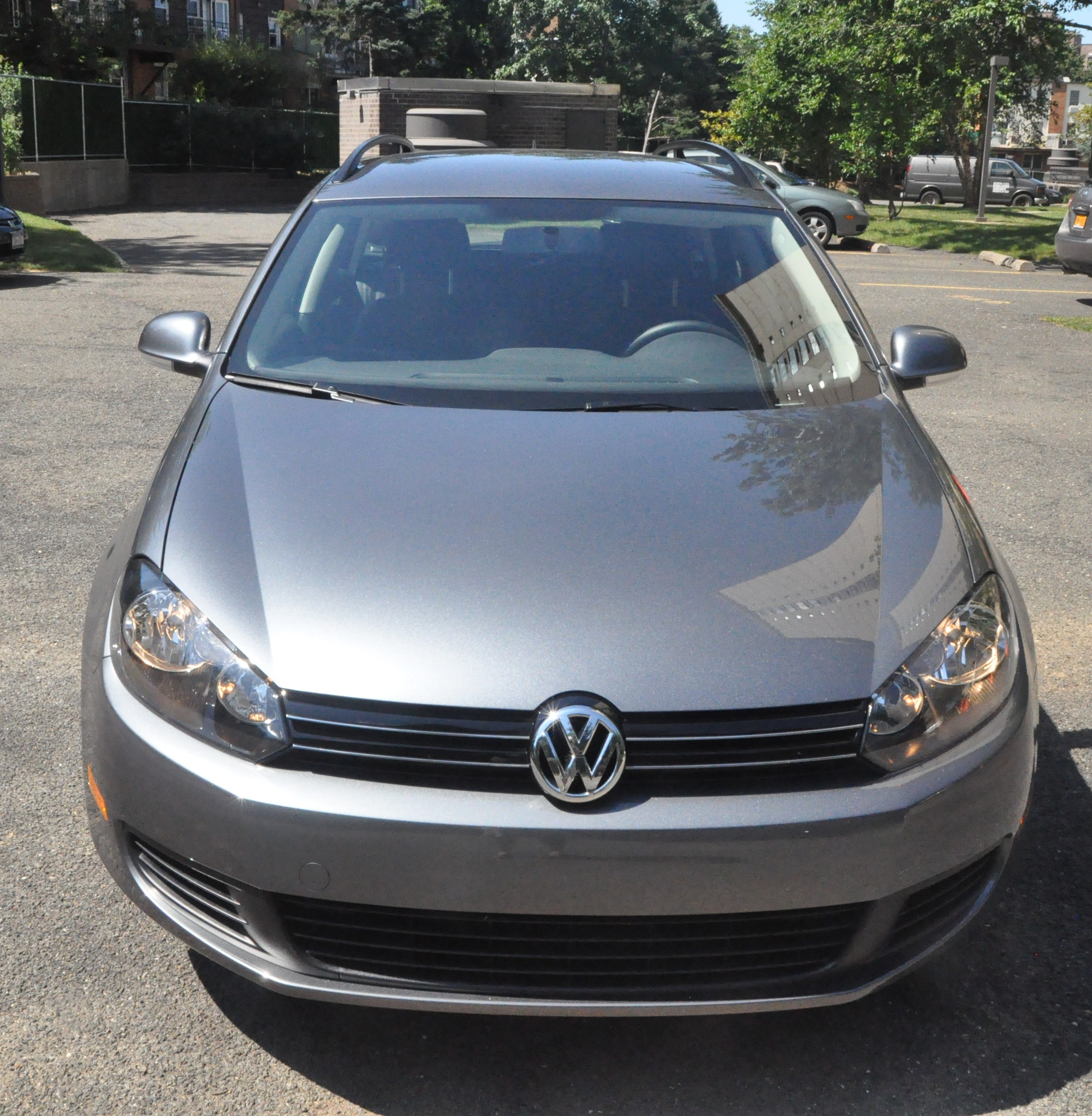 2011 volkswagen jetta sportwagen tdi review and test drive the green car driver. Black Bedroom Furniture Sets. Home Design Ideas