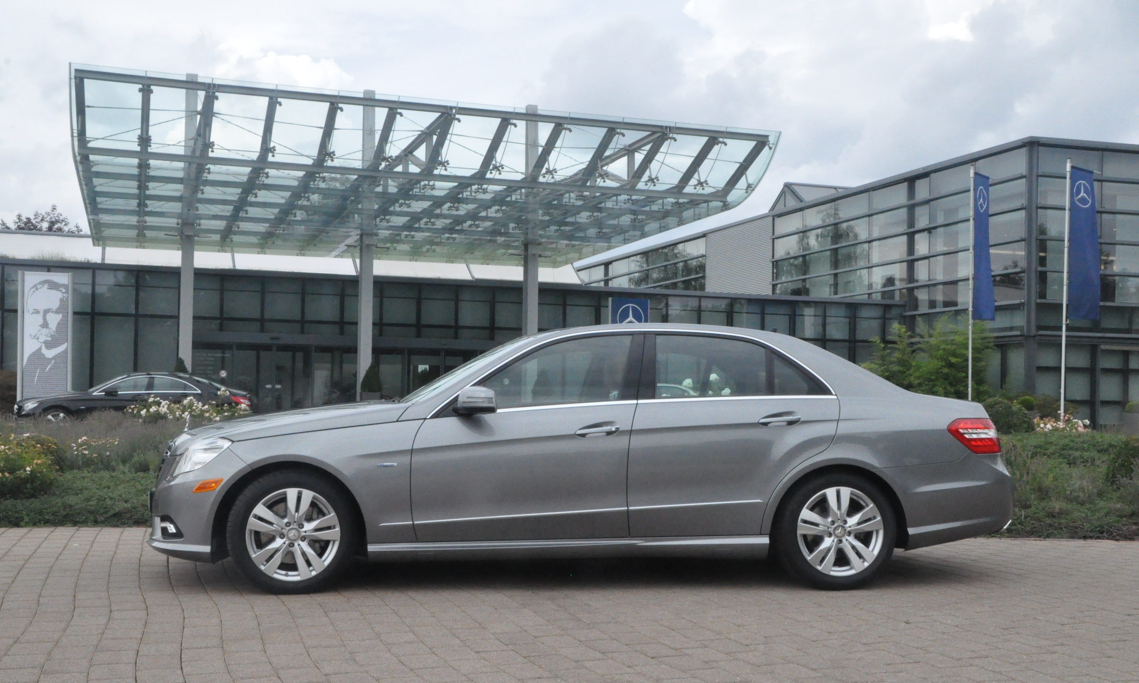 Mercedes benz european delivery the mercedes benz e350 for Mercedes benz europe