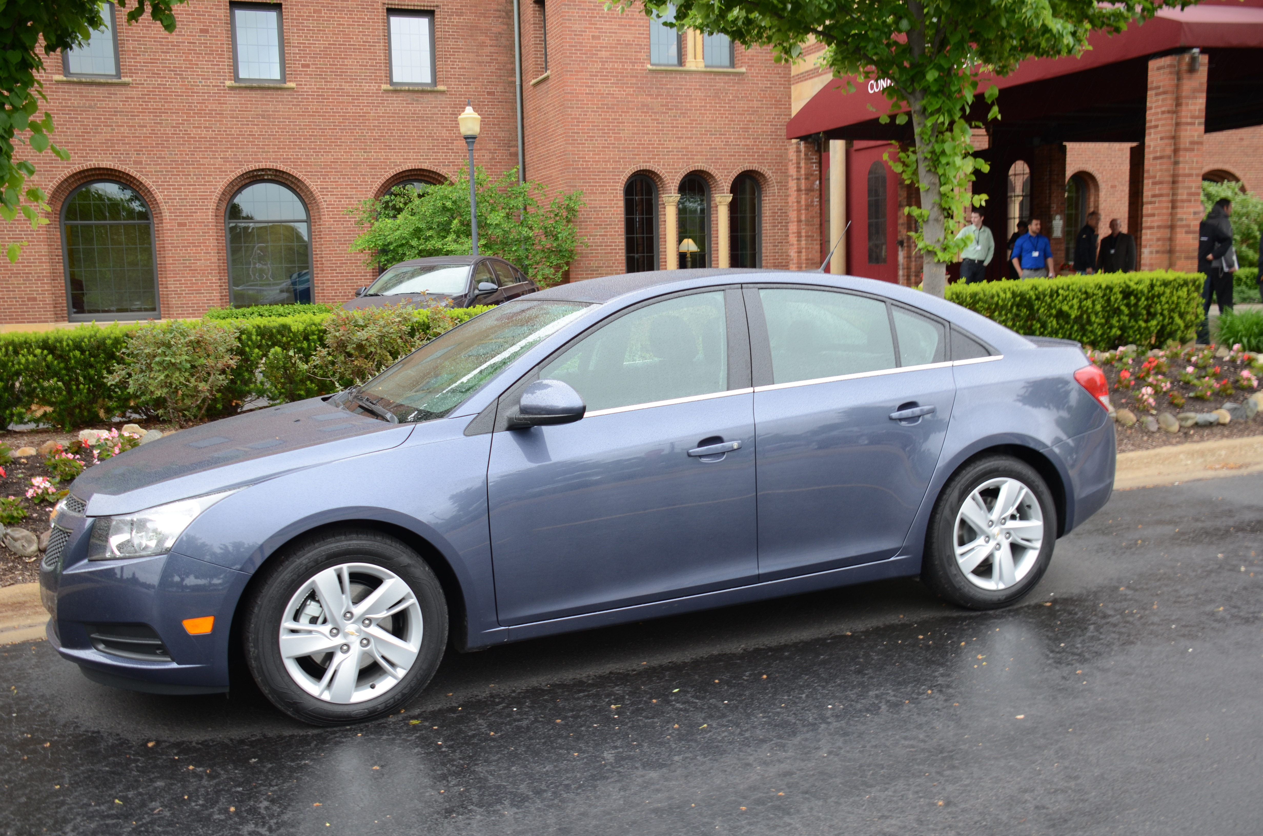 2014 chevrolet cruze diesel first look and review the green car driver. Black Bedroom Furniture Sets. Home Design Ideas