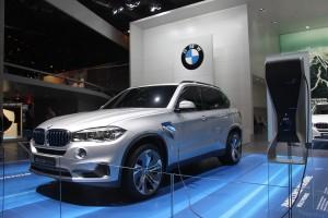 BMW's X5 plug-in