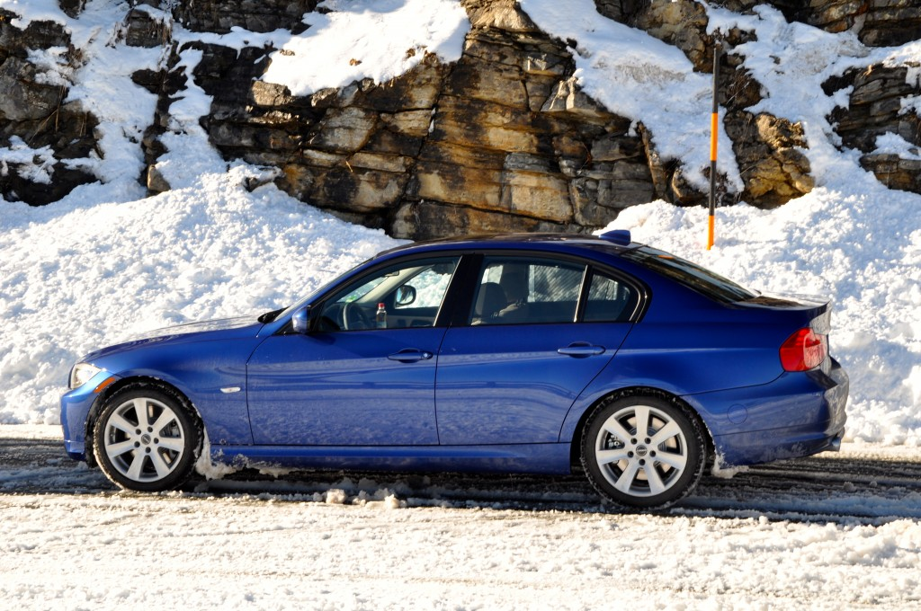BMW 335d with winter tires on the Roßfeldhöhenringstraße