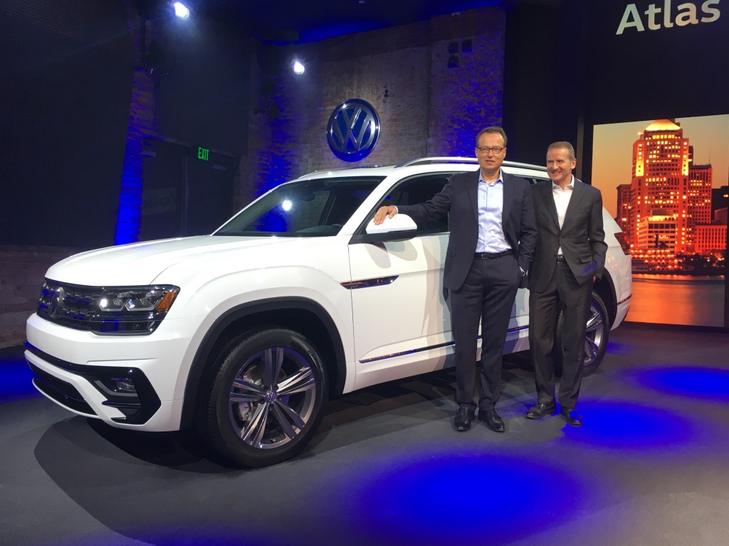 Herbert Diess, r., at the VW media event in Detroit Sunday